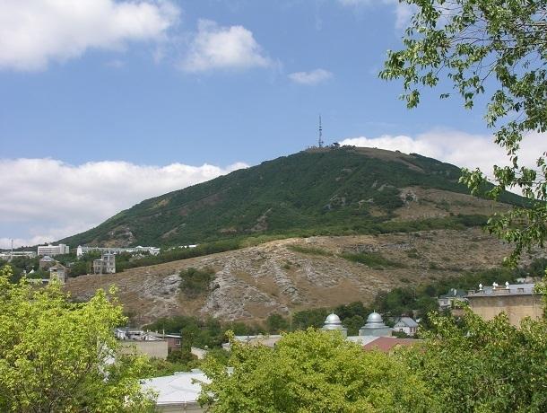 Красивая легенда о рождении горы Машук, величественного Эльбруса и пятиглавого Бештау