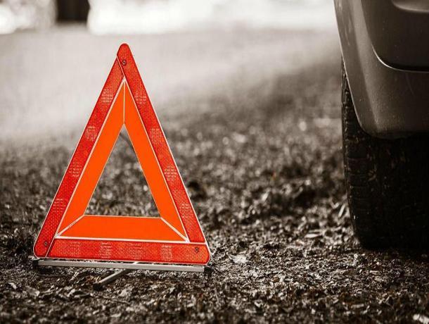 На Ставрополье в страшной аварии со столбом погибло два человека