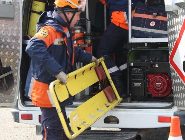 200-килограммовую женщину врачам пришлось везти домой с помощью спасателей на Ставрополье