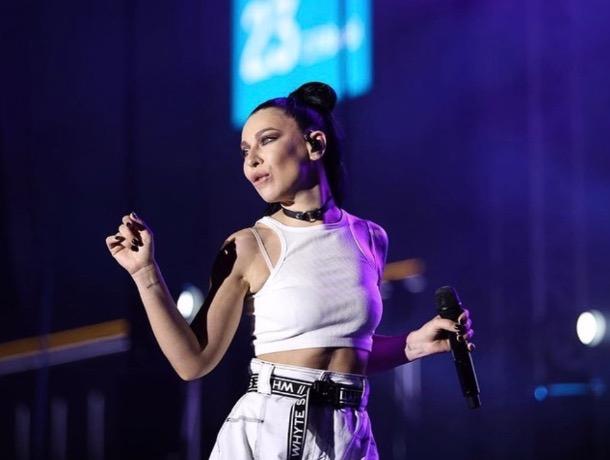 Певица Ёлка «взорвала» Ставрополь своей энергетикой