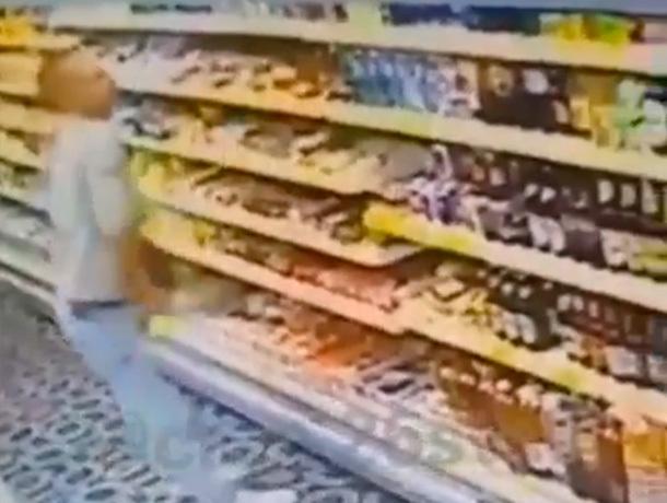 Воришка запихивал шоколадки в трусы в Ставрополе