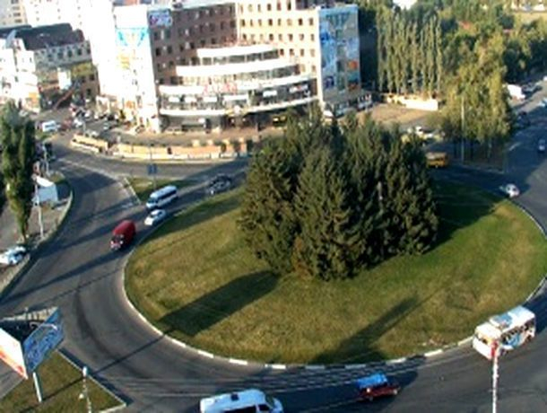 Как проезжать круг на Тухачевского - Пирогова рассказали в ГИБДД Ставрополя