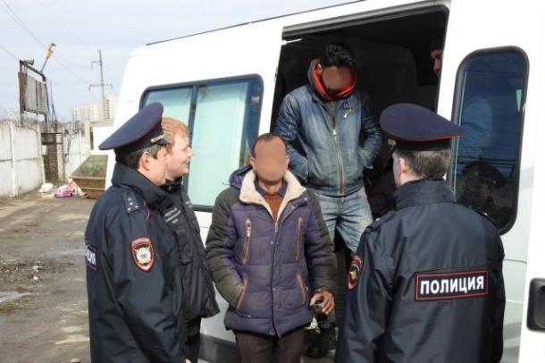 51-летняя ставропольчанка фиктивно прописала у себя дома пять иностранцев