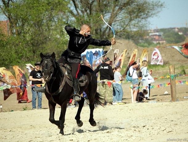 Пострелять на конях из лука смогут жители Ставрополья