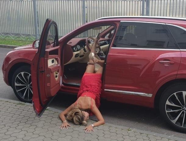 Шокирующие фото ставропольской модели Анны Калашниковой вызвали ажиотаж поклонников