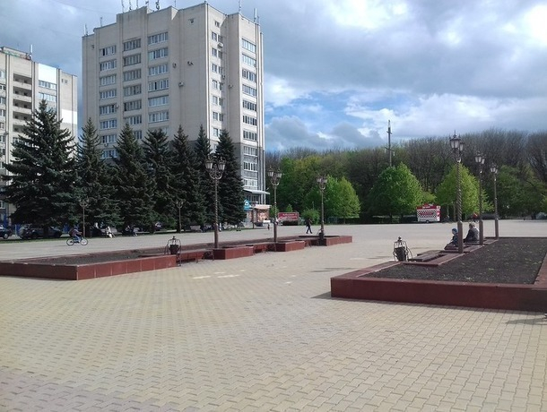 Прежде и теперь: подкова «на удачу» стоит на площади 200-летия в Ставрополе