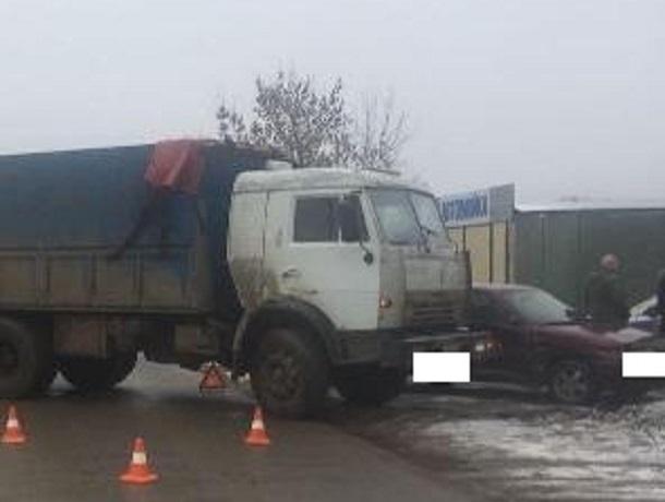 НаСтаврополье встолкновении фургона илегковушки пострадала девочка