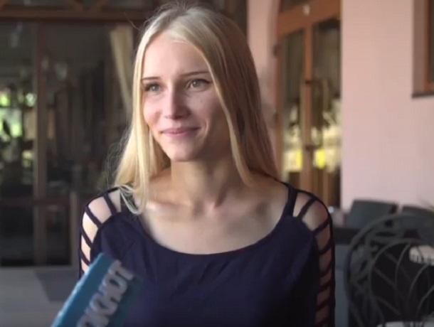 «Закончила школу и пошла работать, чтобы оплатить учебу», - участница «Мисс Блокнот» Анна Лутаева