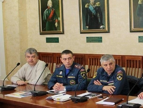 Несанкционированный митинг предотвратили власти в Кисловодске