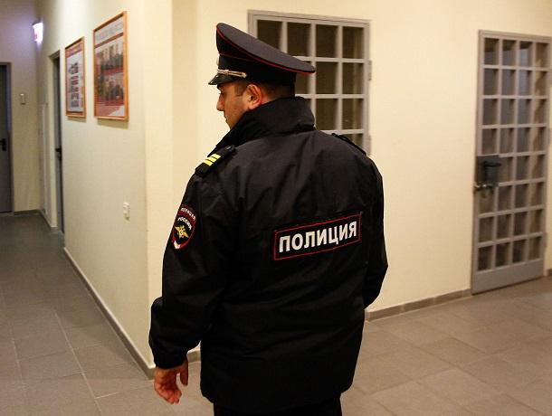 30 тысяч рублей заплатил ставрополец за брошенный в полицейского мобильный телефон