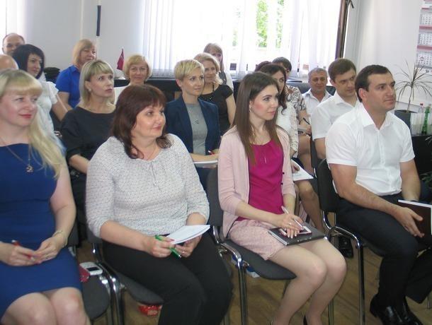 Психологическим особенностям общения с клиентами научили сотрудников Ставропольпромстройбанка