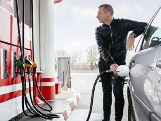 Средняя цена на бензин в Ставрополе превысила порог в 41 рубль
