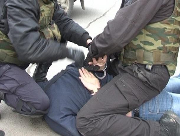 Взятку в 50 тысяч рублей вымогал полицейский с жителя Украины на Ставрополье