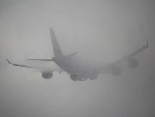 В Ставропольском аэропорту не смогли приземлиться самолеты из-за непогоды