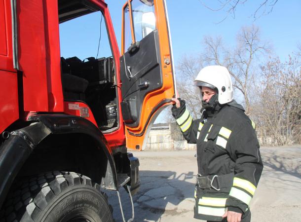 Ожоги рук и лица после взрыва бытового газа получил дачник в Ставрополе