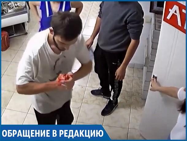 Кровавое избиение грузчиком подростка в магазине попало на видео в Ставрополе