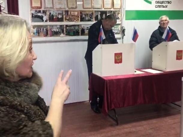 В Черкесске избиратели голосуют с трибун, а не в кабинках