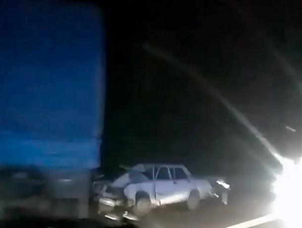Оторвавшийся грузовой прицеп утроил аварию на Ставрополье