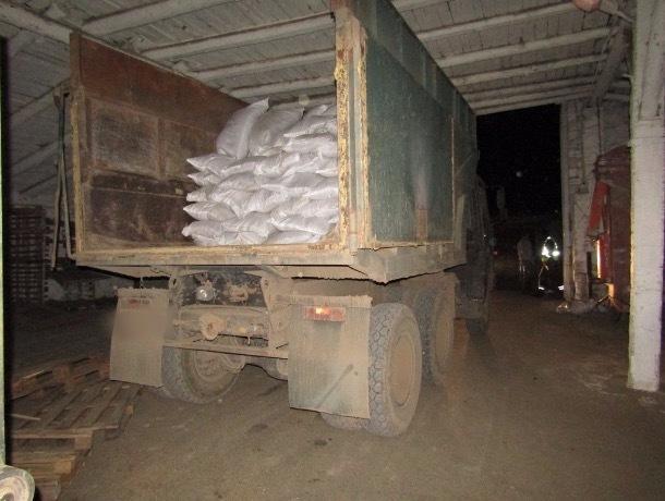 Пять тонн семян укропа пыталась украсть с сельхозпредприятия на Ставрополье заведующая цехом