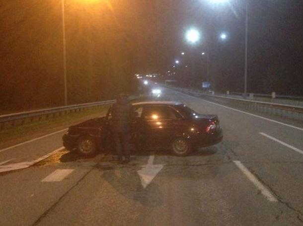 Двое лихачей на «Приорах» устроили гонки и попали в ДТП на трассе под Минводами