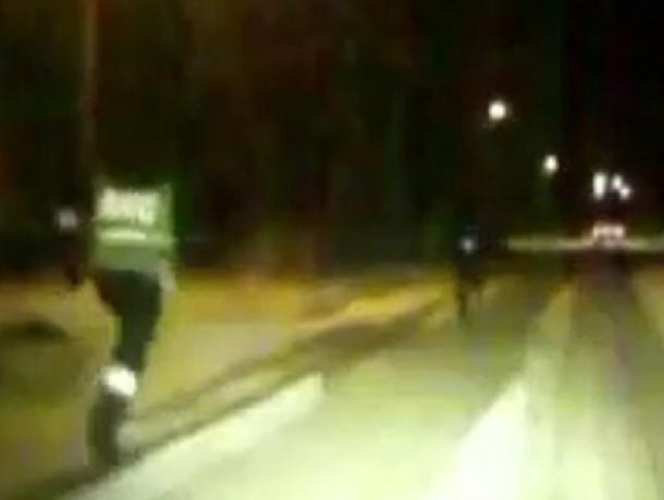 Захватывающая погоня полицейских за нарушителем попала на видео в Ставропольском крае