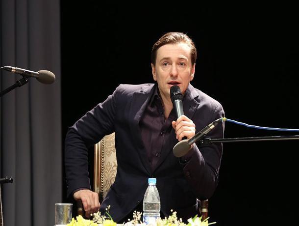 В Железноводске Безруков предложил «брать процент» за показ зарубежных фильмов