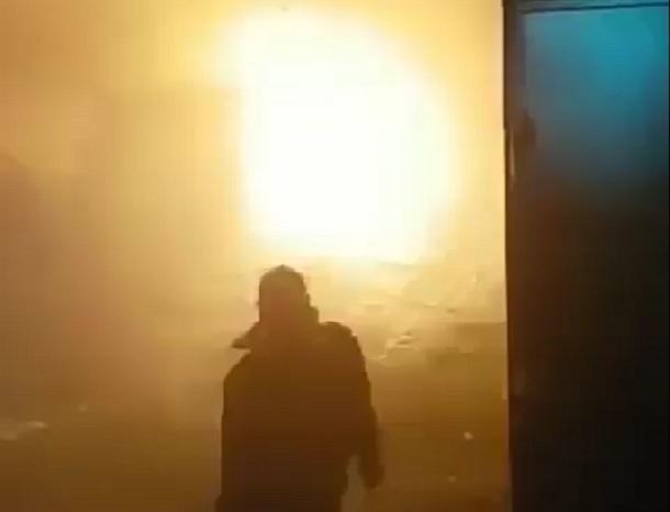 Появилось видео мощного взрыва «Рено-Логана» в гараже Кисловодска