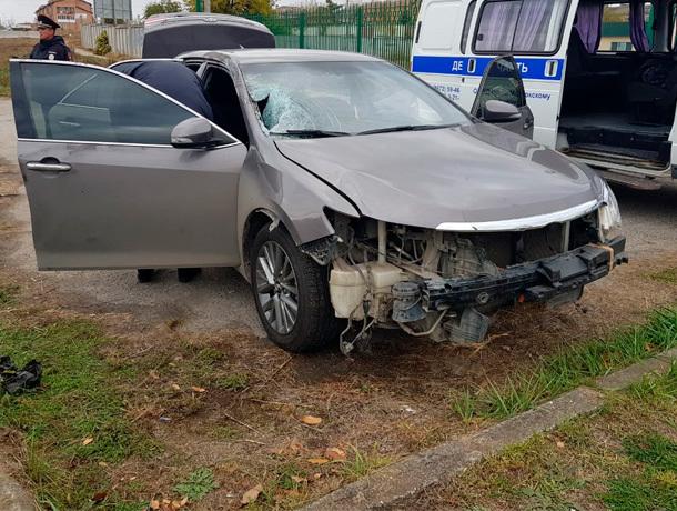 Гаишники на «Тойота Камри» сбили человека в Зеленокумске и скрылись