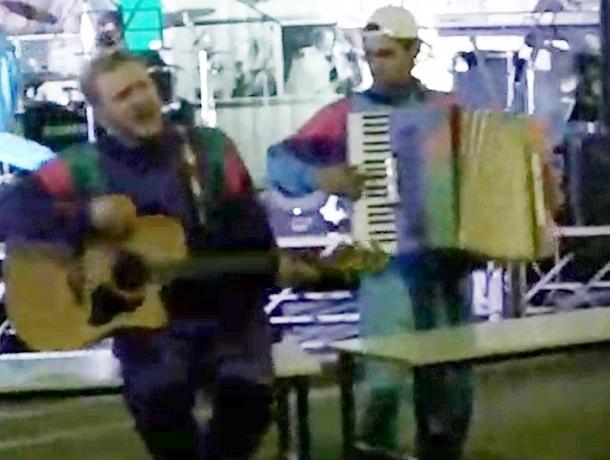 Ставропольские музыканты эффектно «выкрутились» после поломки оборудования в самый разгар концерта