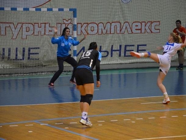 В упорной борьбе ставропольские гандболистки проиграли «Кубани» в Астрахани