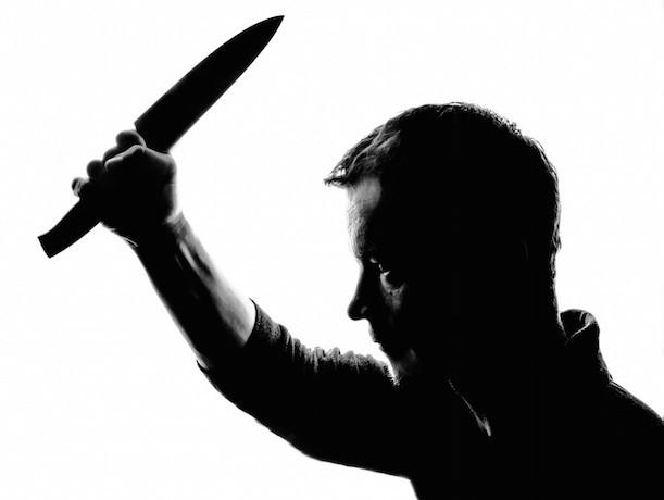 В Арзгирском районе мужчина ударил должника ножом, но в тюрьму не сел