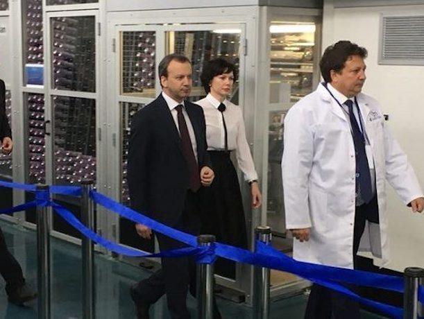 Зампред правительства России Аркадий Дворкович восхитился новым инновационным производством на Ставрополье