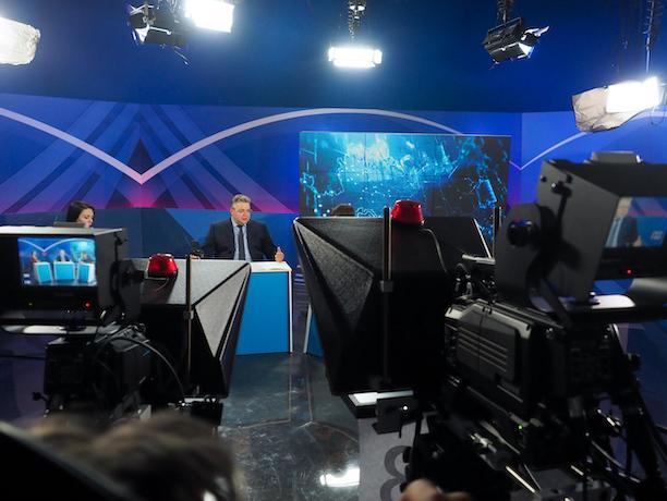 Губернаторский час: Владимиров рассказал, что ждет встречи с Путиным, не раздает обещаний и ищет деньги для сел