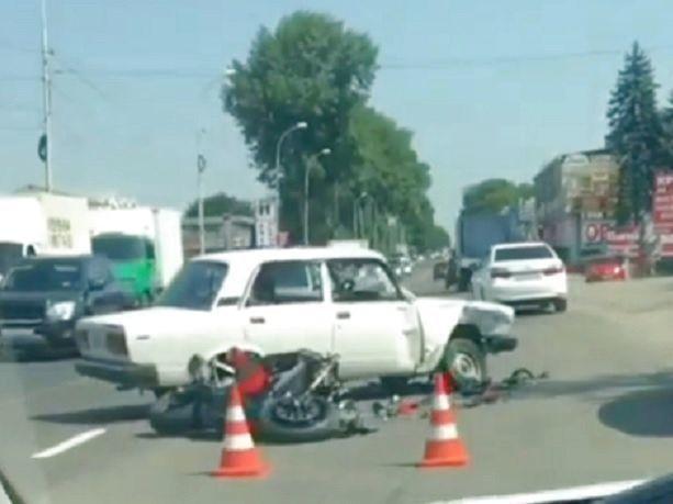 Мотоциклист разбился насмерть в жутком столкновении с ВАЗом на Ставрополье