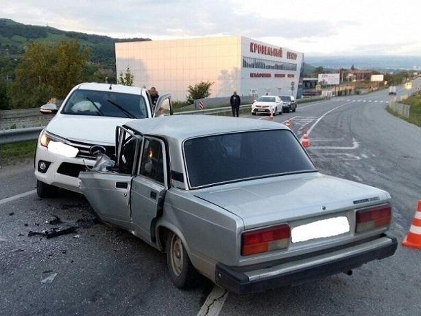 НаСтаврополье влобовом ДТП умер шофёр