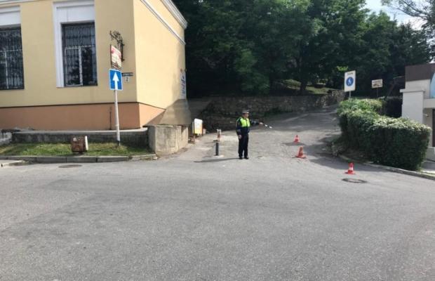 На Ставрополье грузовик переехал двух отдыхавших на газоне женщин