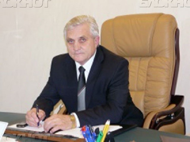НаСтаврополье руководителя района иего сына подозревали вовзяточничестве