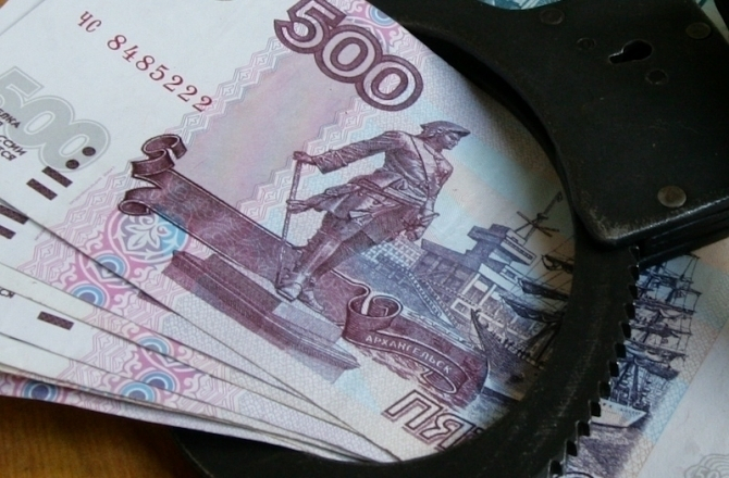 На Ставрополье судебный пристав требовал с женщины взятку