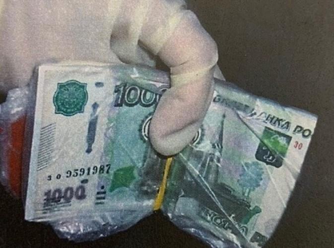 В Ставрополе бывший судебный пристав подозревается в получении взятки