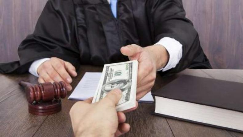 Мирового судью Ставрополья задержали за взятку