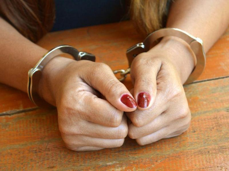 Сотрудницу СИЗО на Ставрополье задержали за взятку