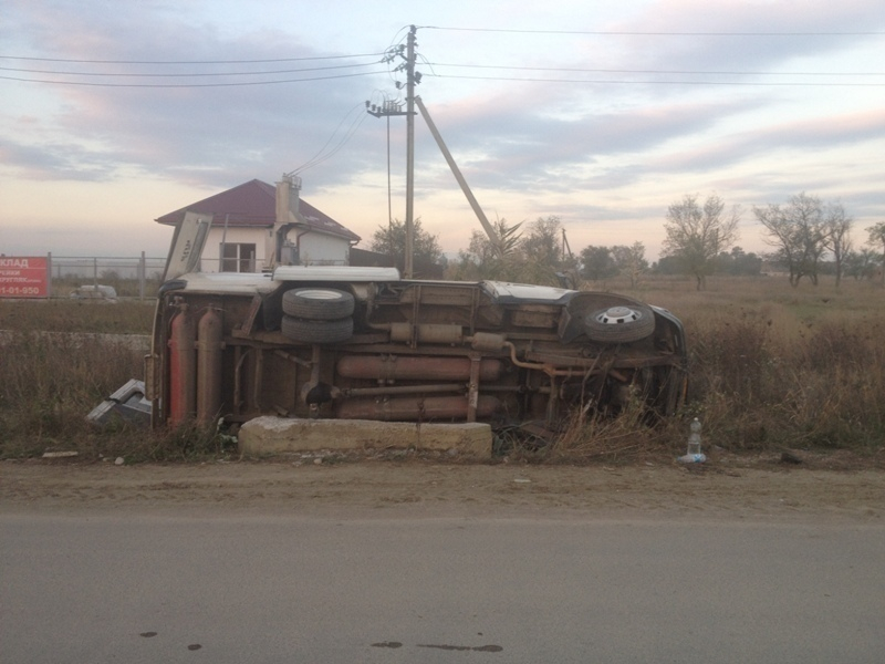 В Минераловодском районе от опрокидывания «Газели» пострадали трое несовершеннолетних