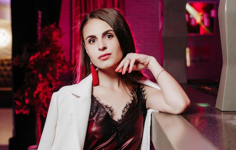 «Угонщица» в исполнении участницы «Мисс Блокнот» Екатерины Бойко