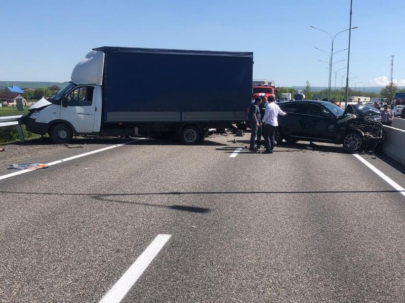 Установлены личности погибших в ДТП при столкновении восьми автомобилей