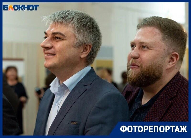 В краевой столице открылась выставка, посвященная 25-летию Ставропольской городской Думы
