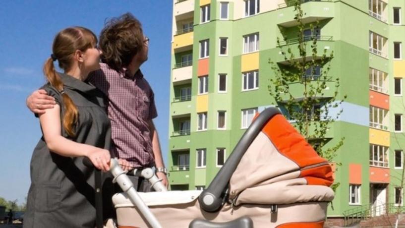 «Мертвая лошадь, которую решили попинать перед выборами», — эксперт о поддержке молодых семей на Ставрополье