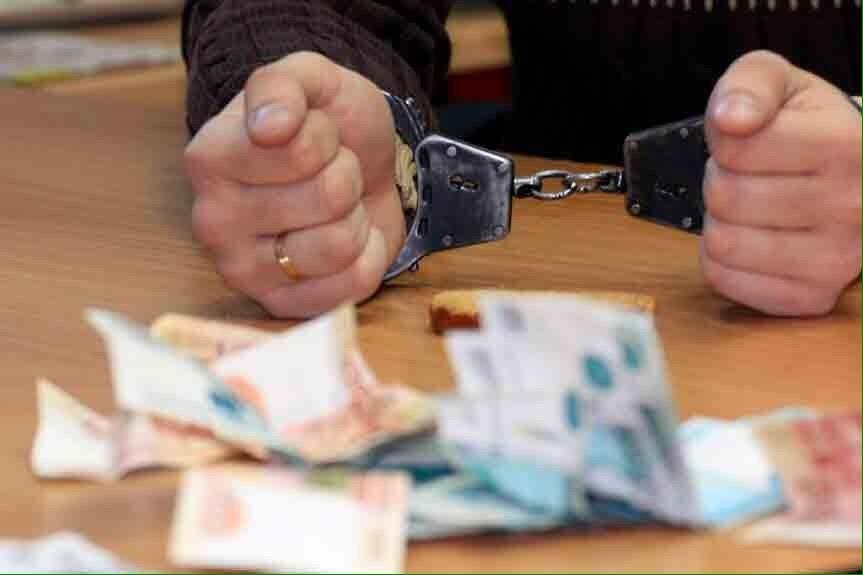 На Ставрополье начальник цеха четыре года получал зарплату за свою неработающую жену