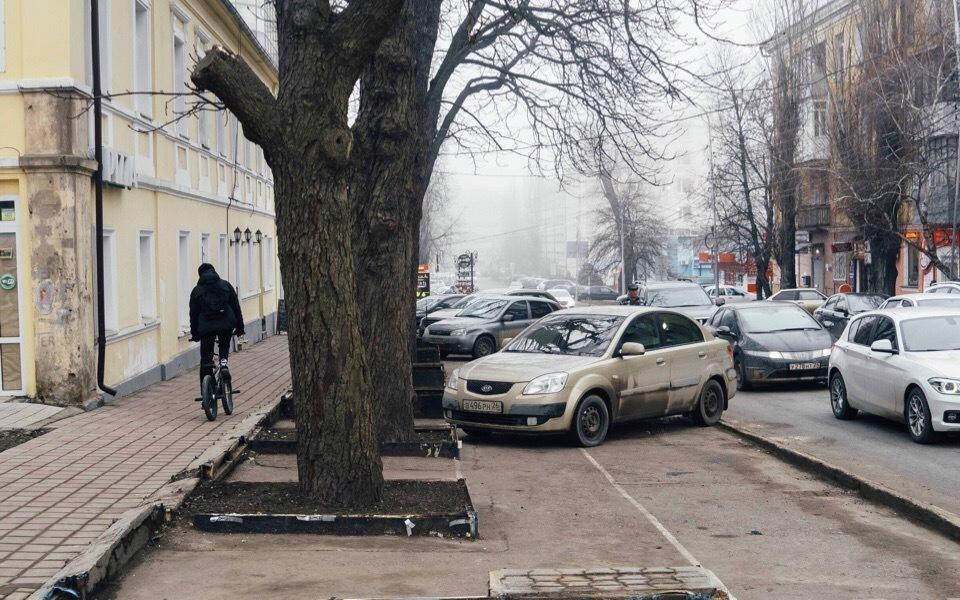 Цветочный рынок на Пушкина превратился в парковку