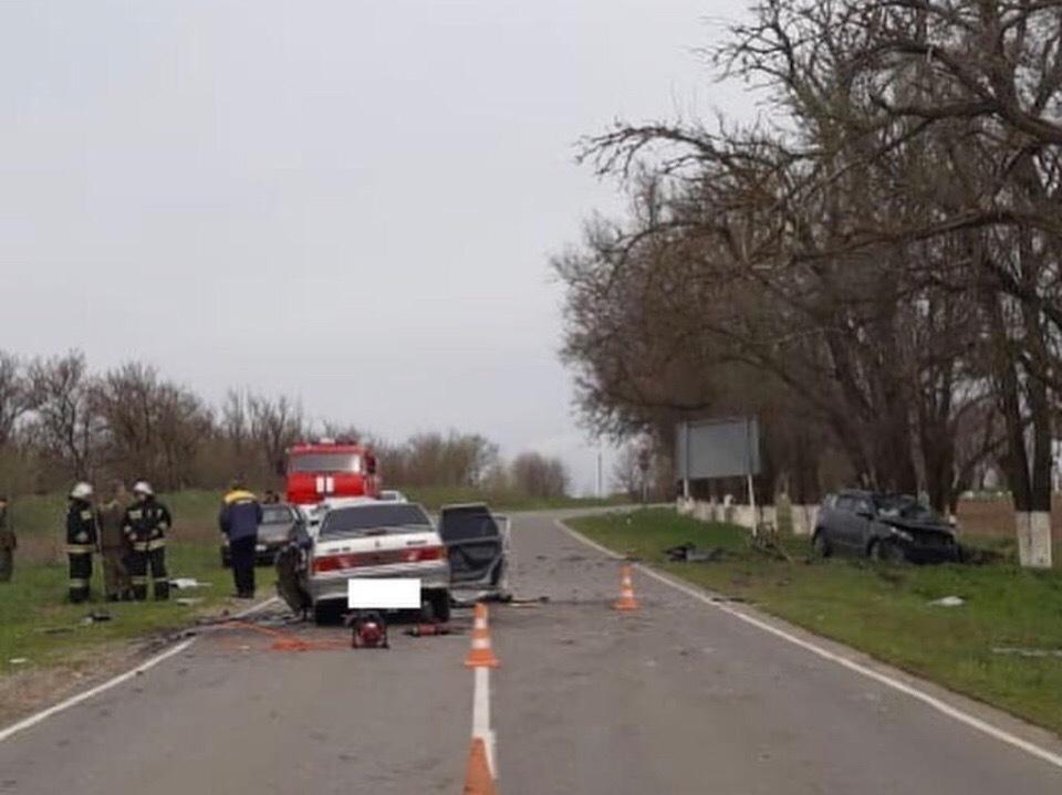 Два человека, в том числе 5-летний ребенок, погибли в ДТП на Ставрополье