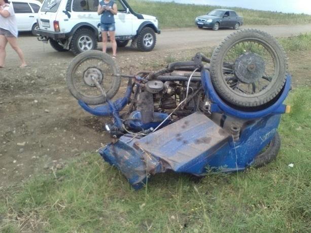 Пьяный водитель мотоцикла получил открытый перелом ноги в ДТП с «Нивой» под Ставрополем, - очевидцы